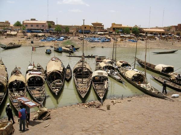 Lode v Mali