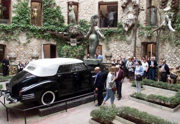 Dalího auto v múzeu
