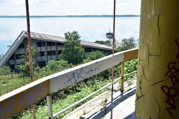 Pohľad na bývalý hotel