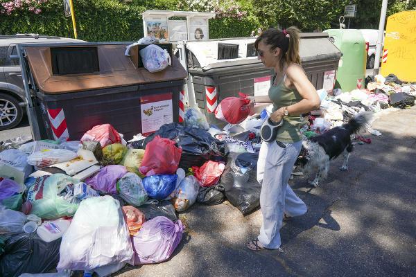 Rím je zasypaný odpadkami