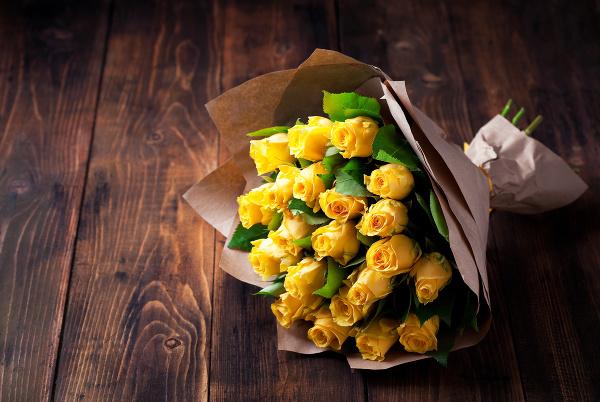Kytica žltých ruží