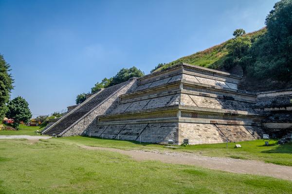 Pyramída v Cholula, Mexiko