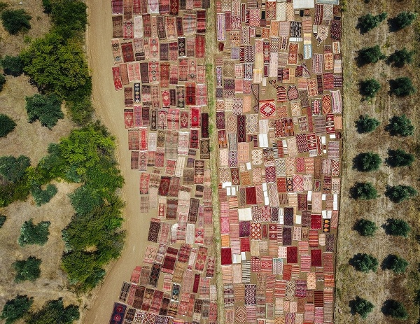 Sušenie kobercov v Turecku