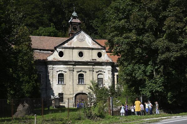 Kaštieľ v obci Považské