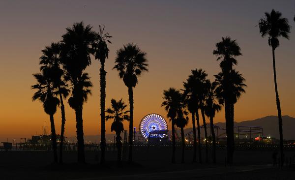 Santa Monica v Los