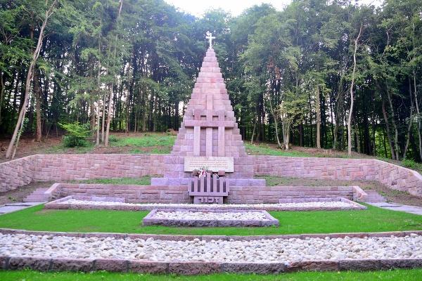 Pamätník obetiam fašizmu navrhnutý