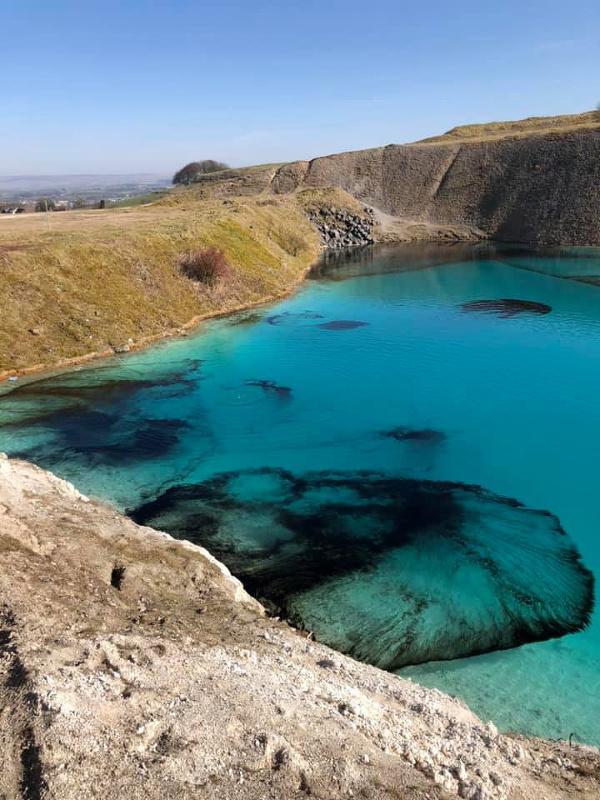 Modrá lagúna neďaleko britského