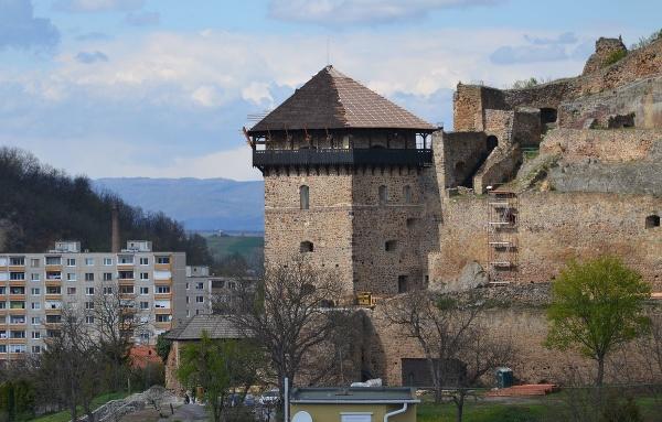 Bebekova bašty Fiľakovského hradu