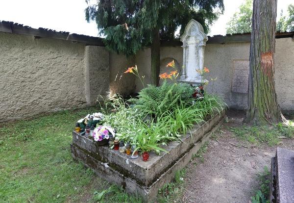 Hrob Maríny Sládkovičovej na