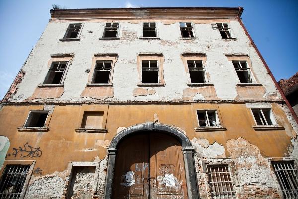 Pohľad na Eszterházyho palác