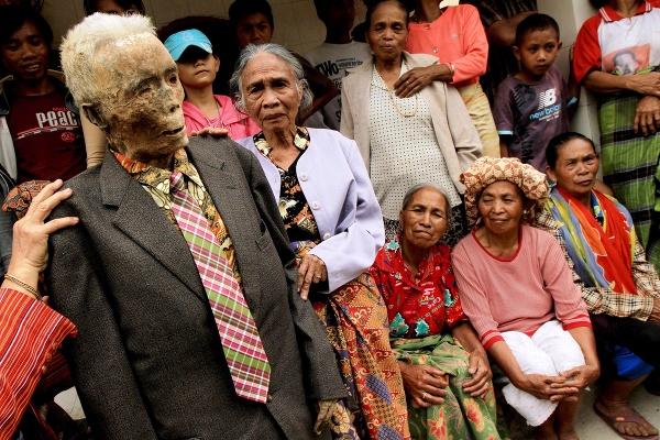 Morbídny zvyk v Indonézii: