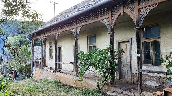 Bývalé kúpele v Levároch