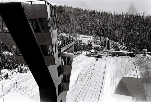 Skokanské mostíky, bežecké trate