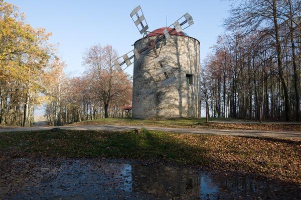 Holíč: Pri veternom mlyne