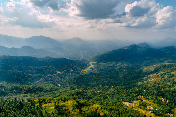 Výhľad z veže Ambuluwawa