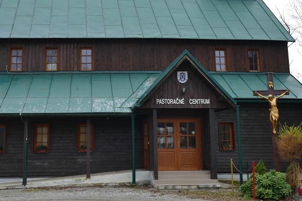 Drevený kostolík- Pastoračné centrum