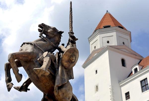 Socha Svätopluka na Bratislavskom
