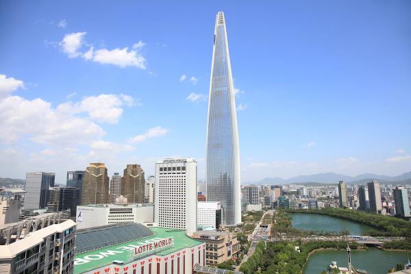 Lotte World Tower, Južná