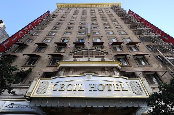 Hotel Cecil v Los
