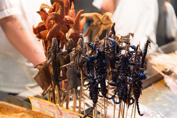 Pouličné jedlo v Pekingu