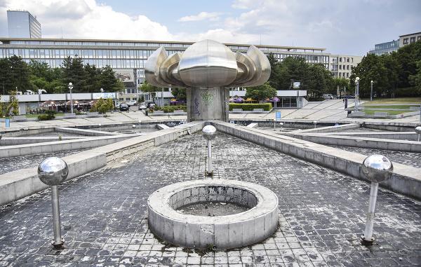 Námestie slobody s fontánou