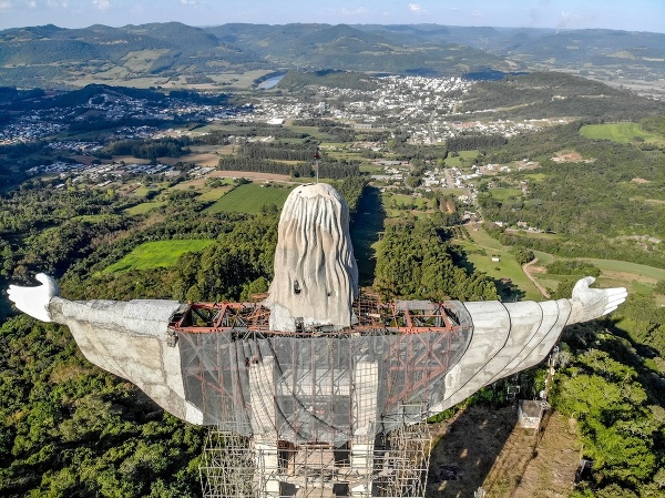 V Brazílii vzniká socha