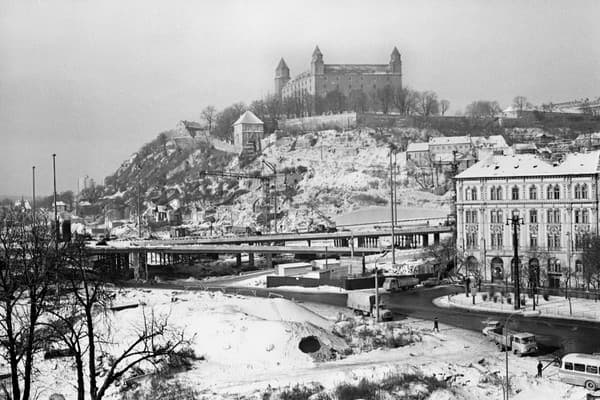 Most SNP v Bratislave