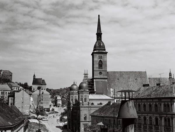 Bratislava na archívnych záberoch