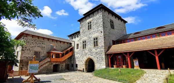 Jurkovičov palác na hrade