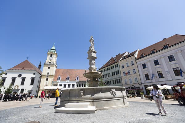 Rolandova fontána na Hlavnom