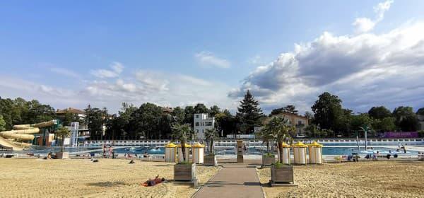 Thermalstrandbad s pieskovými plážami