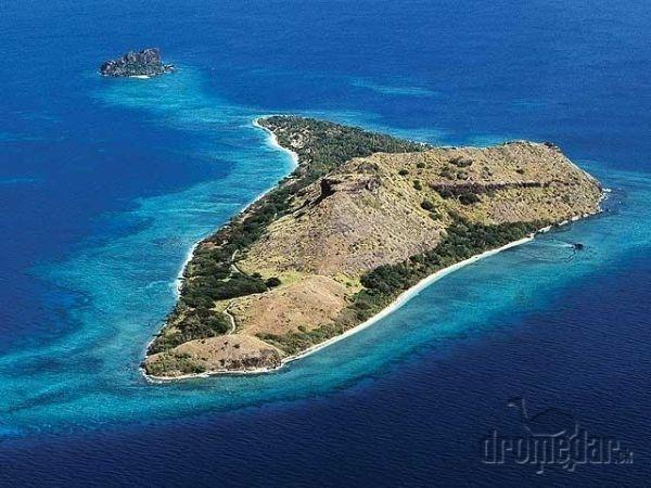 Ostrov Coral coast láka