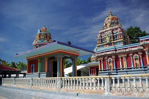 Swami temple v Nadi.