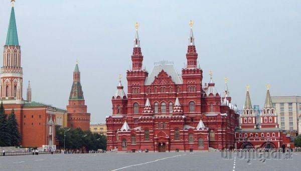 Cesta začína v Moskve,