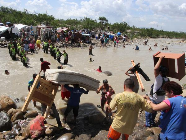 Výsledok vyhľadávania obrázkov pre dopyt Utečenecká kríza