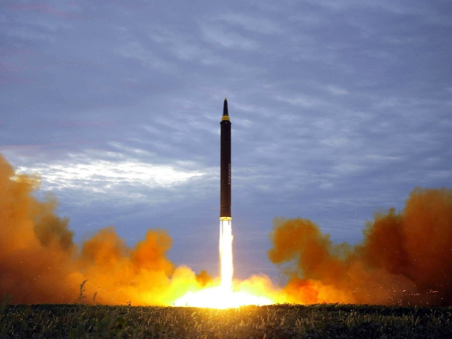 Severná Kórea opäť testuje raketu