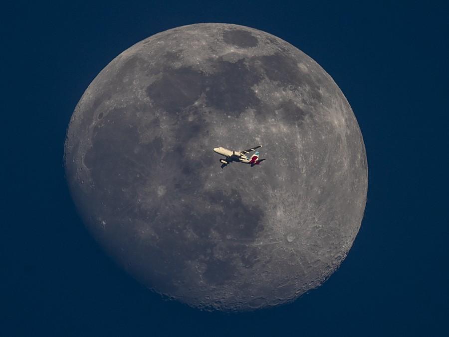 Mesiac v plnej kráse