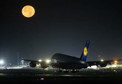 Na Mesiac a späť