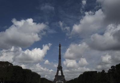 Eiffelovka opäť otvorená