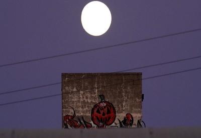 Niekde Dušičky, inde Halloween