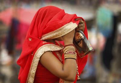 Žena na festivale