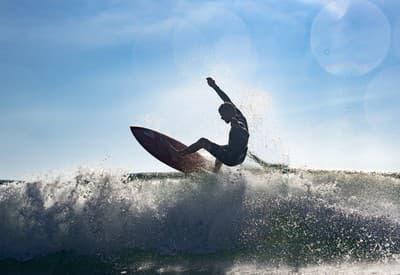 Surfovanie na vlnách