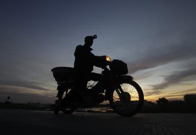Motorkár za skorého rána