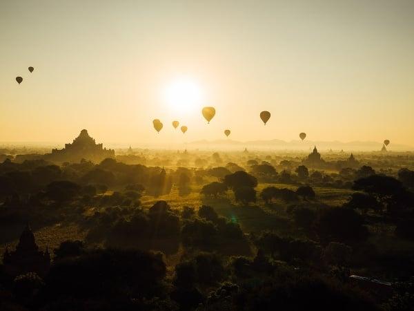 Balóny nad Baganom