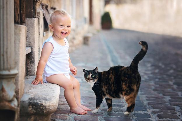 S mačkou