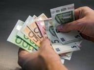 Priemerná mzda 882 eur: