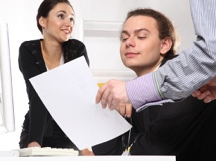 Vyhodiť prácu zmysle