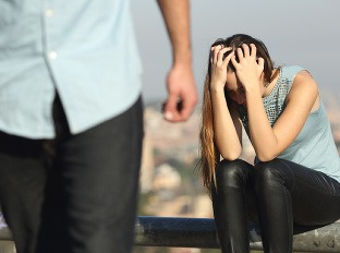online dating ničí vzťahyhozac orgie klub