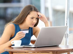 E-mailoví podvodníci: Ak im