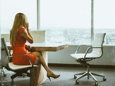 žena, sedí, práca, výhlad